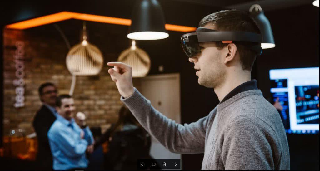 Microsoft HoloLens Development